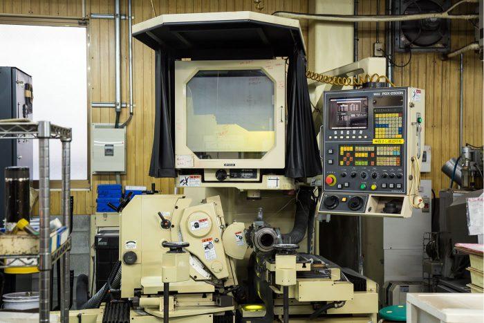 CNC成形研削盤(プロファイルグラインダー)