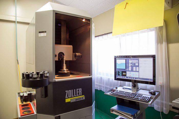 ユニバーサル工具測定機